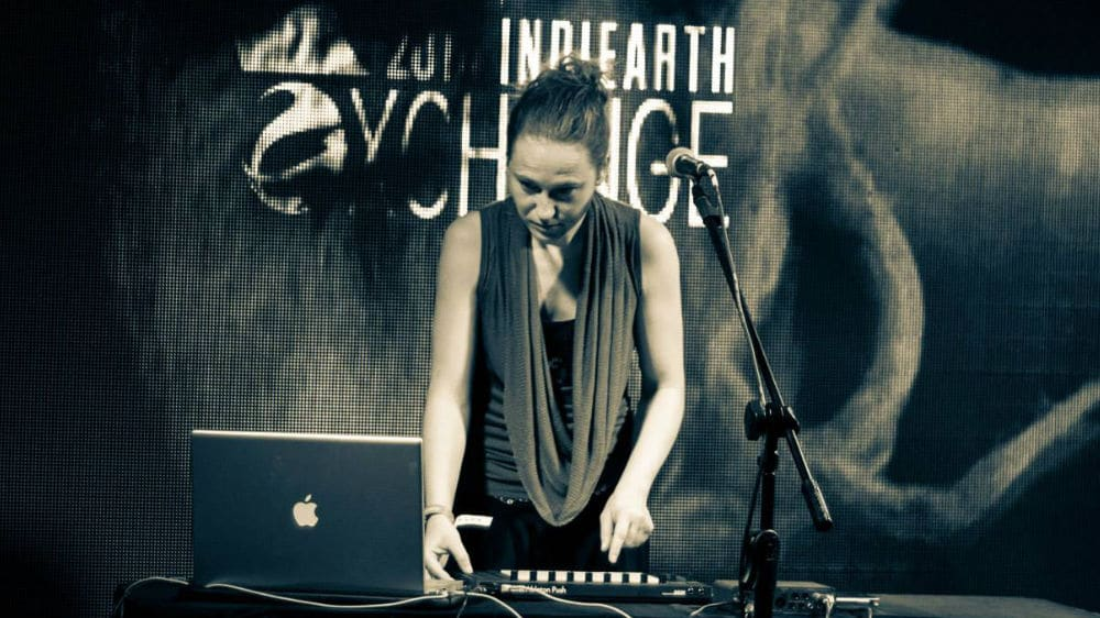 Madeleine Bloom - live at IndiEarth Xchange 2014 in Chennai, India